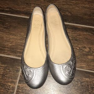Tory Burch pewter flats size 7.5
